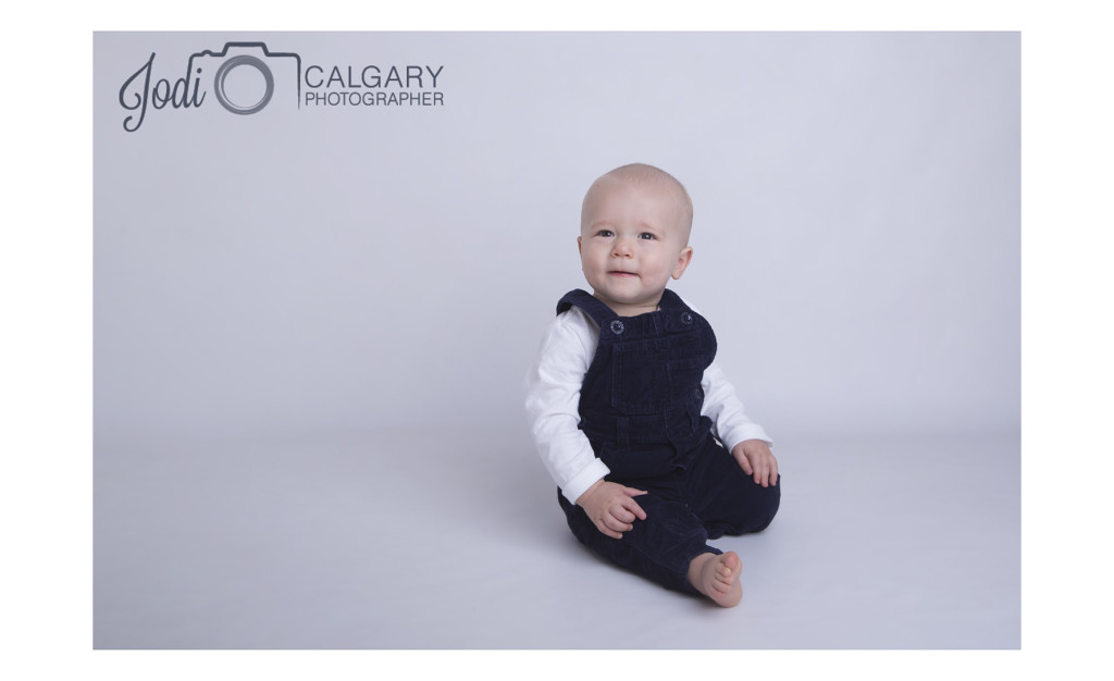 Calgary photographers with 10year experience photographing families, weddings and business headshots. South Calgary Studio. All packages include edited digital images